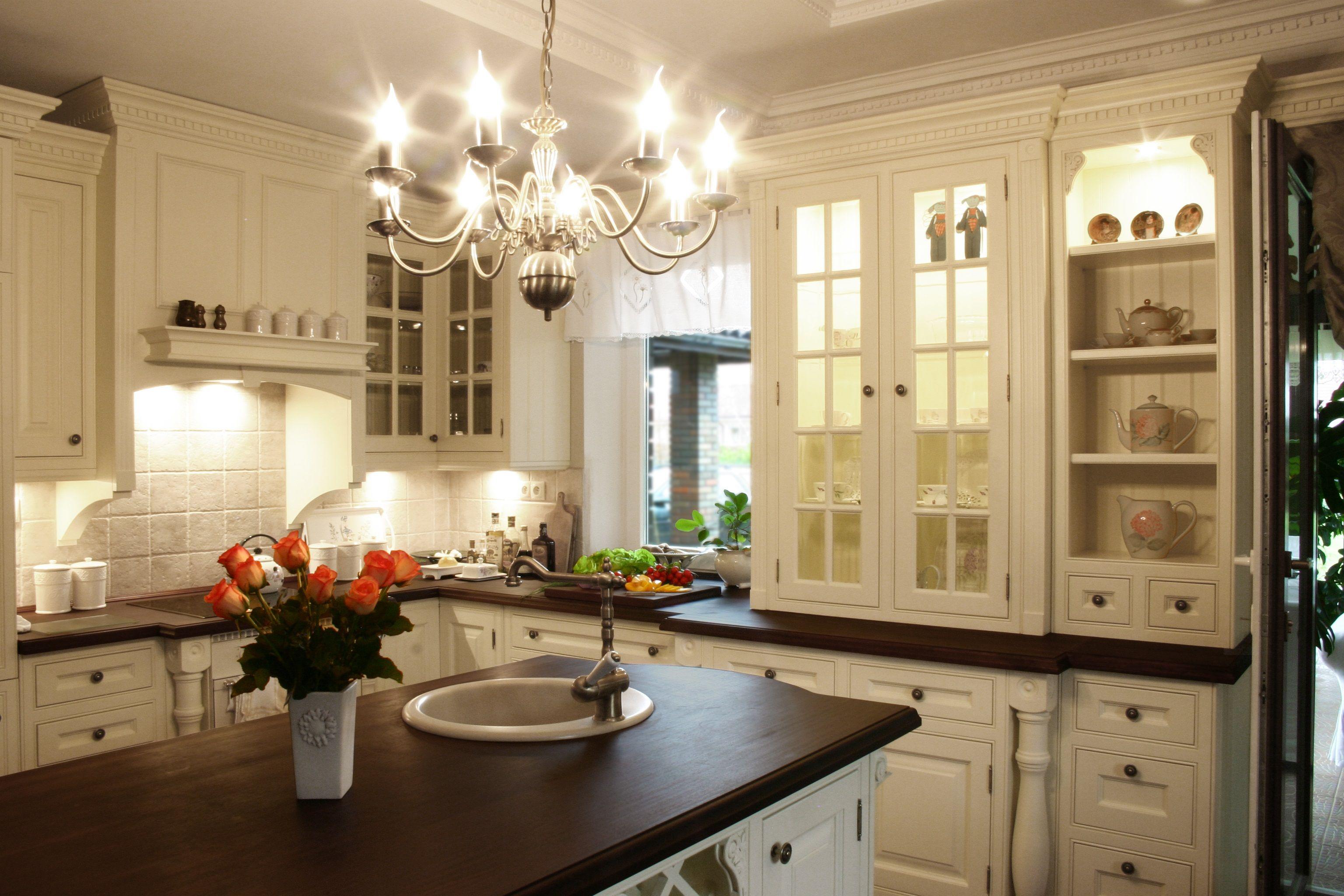 Kuchnie Angielskie Wiktorianskie Stylowe Klasyczne Ekskluzywne Biblioteki Kitchen Cabinets Kitchen Furniture