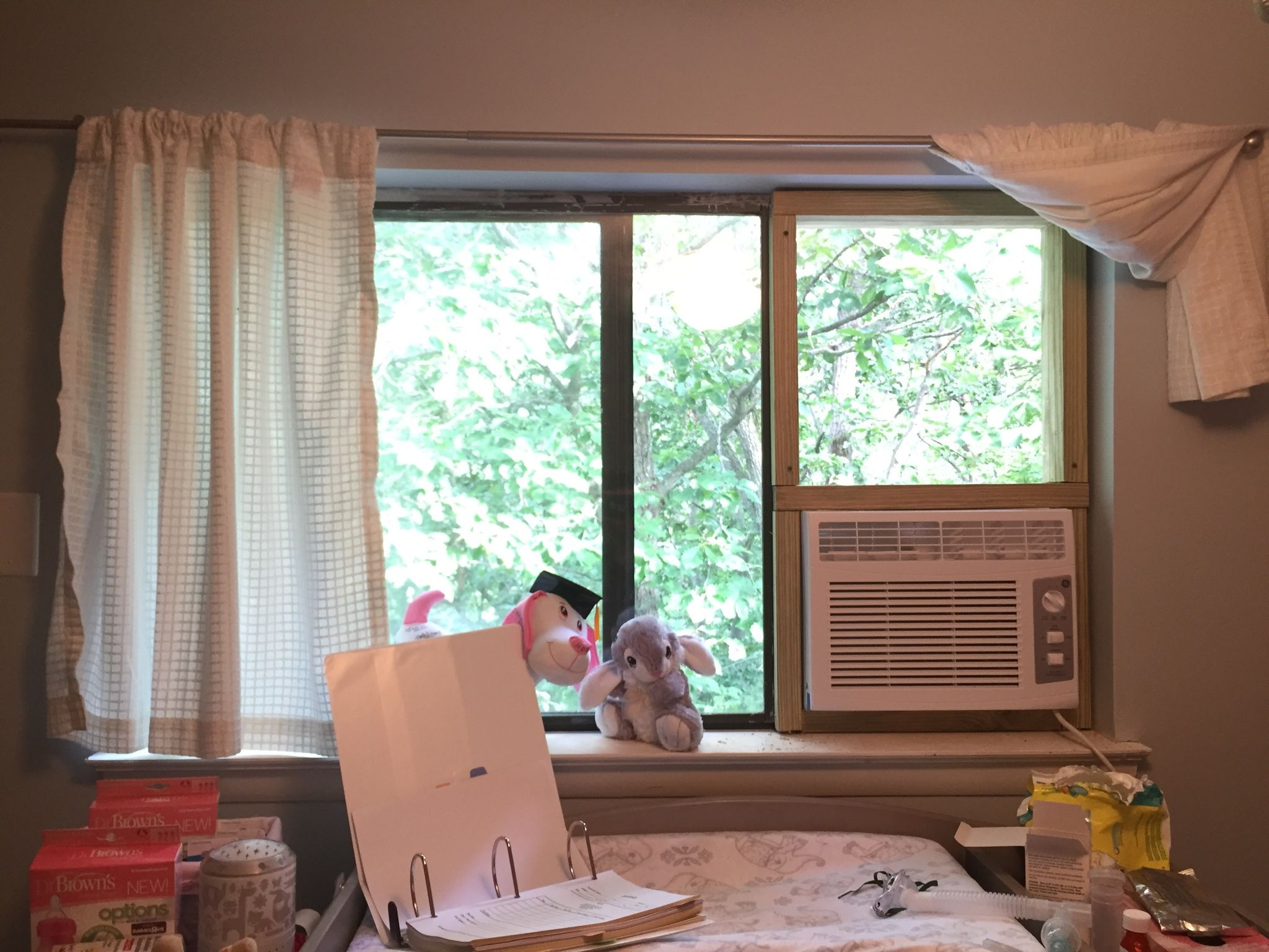 Vertical Ac Unit In A Horizontal Slider Window Handmade Crafts Howto Diy Slider Window Windows Window Ac Unit
