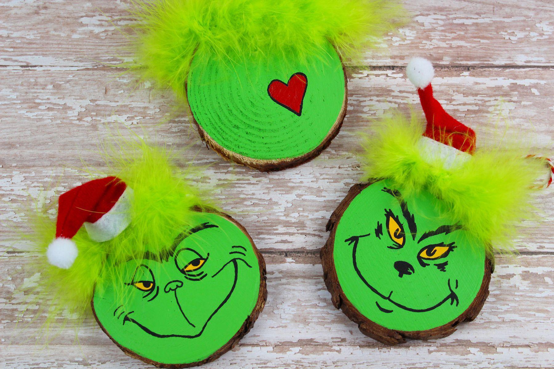 Wood Slice Grinch Christmas Tree Ornament Craft Recipe In 2020 Christmas Tree Ornament Crafts Grinch Christmas Tree Wooden Christmas Ornaments