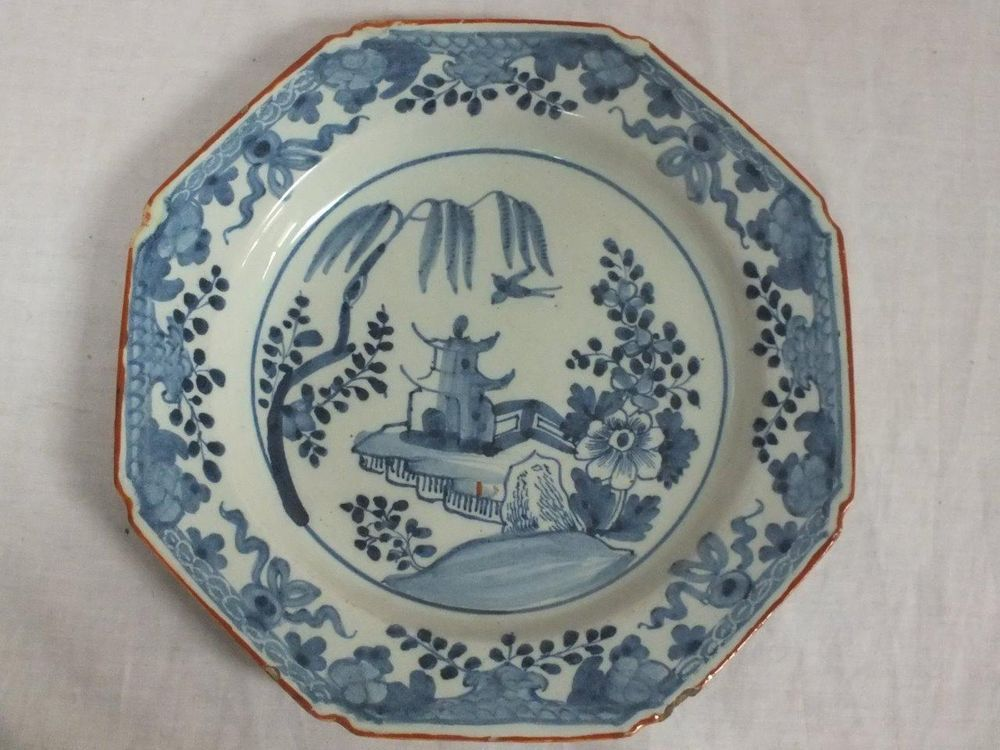 18TH C ENGLISH DELFT POTTERY HEXAGONAL BLUE AND WHITE CHINOISERIE PLATE - 2  £59