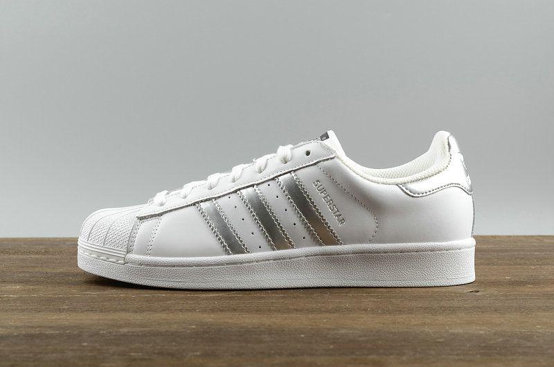 date de sortie 9209a 76d77 nouvelle arrivee Adidas Originals Superstar White blanc ...