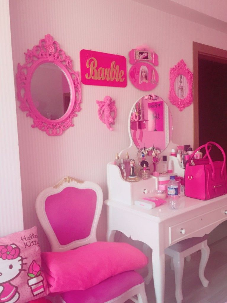 Pin by Clara on Makeup rooms | Barbie room, Beauty room ...