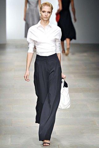 Daks - White shirt and black wide leg trousers