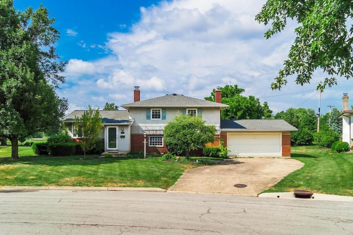 200 woodsview dr canal winchester oh 43110 3 bed 2