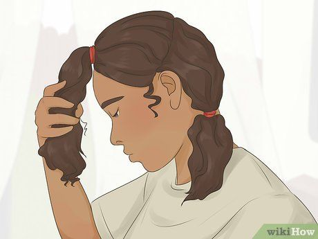 How to Cut Curly Hair in Layers: 14 Steps (with Pictures)