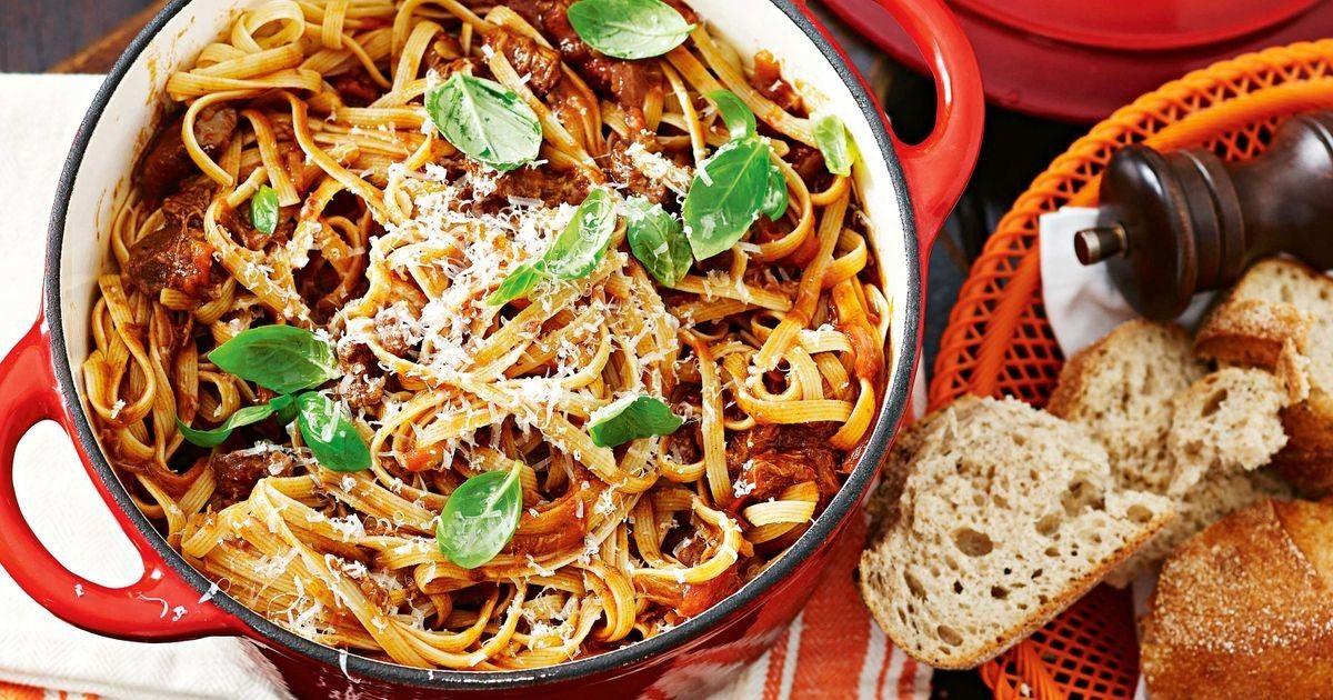 Beef and tomato ragu | Recipe | Ragu recipe, Tomato ragu ...