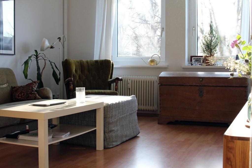 Truhen Werden Als Mobelstucke In Wohnzimmern Immer Beliebter Sie Bieten Stauraum Und Sitzmoglichkeit In Einem Ausserdem Ver 5 Zimmer Wohnung Wohnzimmer Zimmer