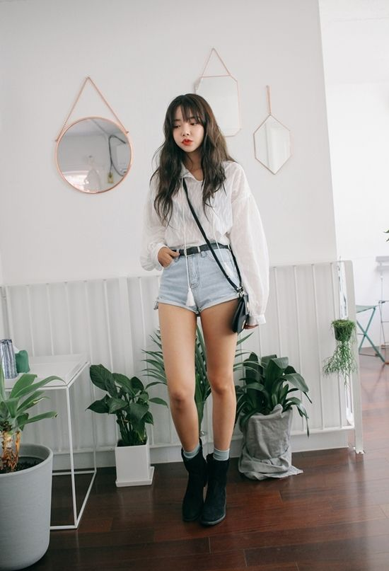 Korean Daily Fashion Official Korean Fashion Love The Loose Top And High Waisted Shorts Fashion Korean Fashion Ulzzang Fashion