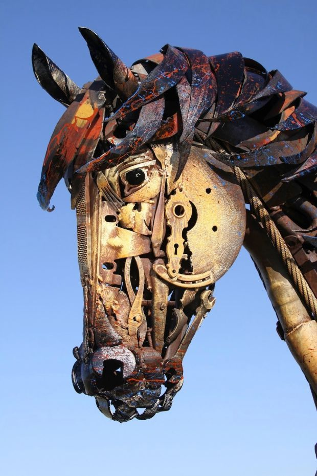 Artist Creates Incredible Sculptures By Welding Together Old - Artist creates incredible sculptures welding together old farming equipment