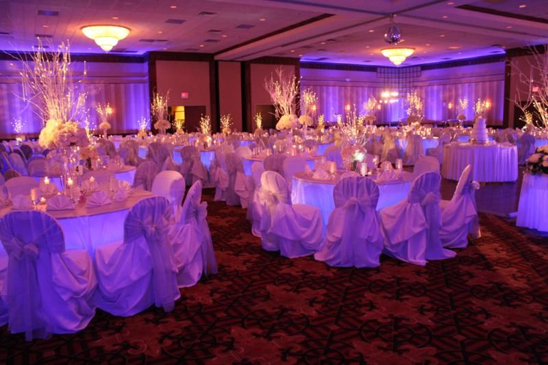 Under Table Lighting Adds So Much To A Wedding Love The Purple And Pink Hues With Candle Light Elegence T