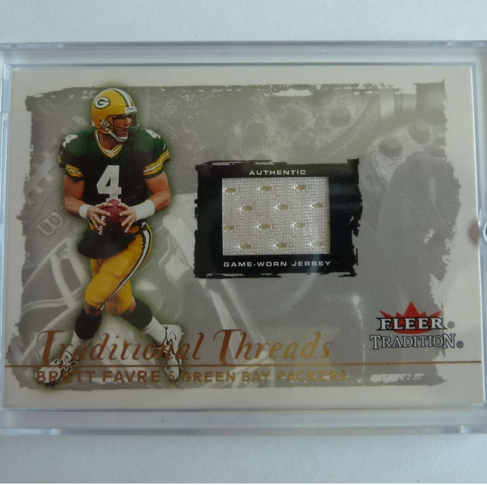 00 fleer tradition brettfavre jersey patch game used