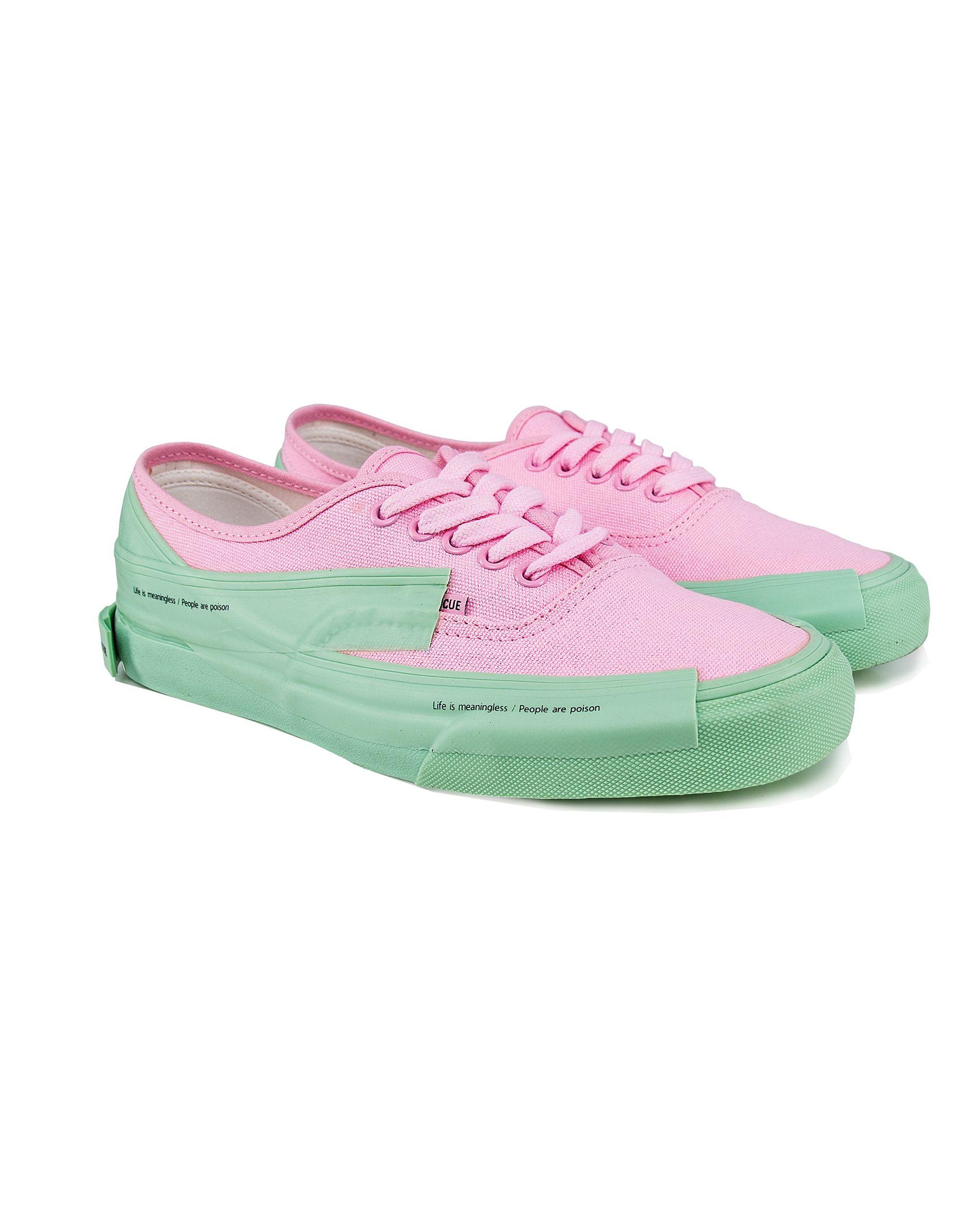 b1abfecb0d Signature Purlicue Sneaker – Round Toe