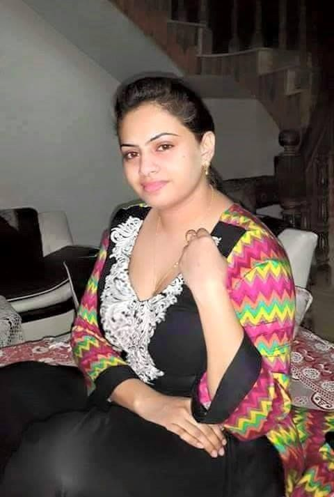 Delhi Aunties Seeking Boys Young Desi Indian Men For Free -1629