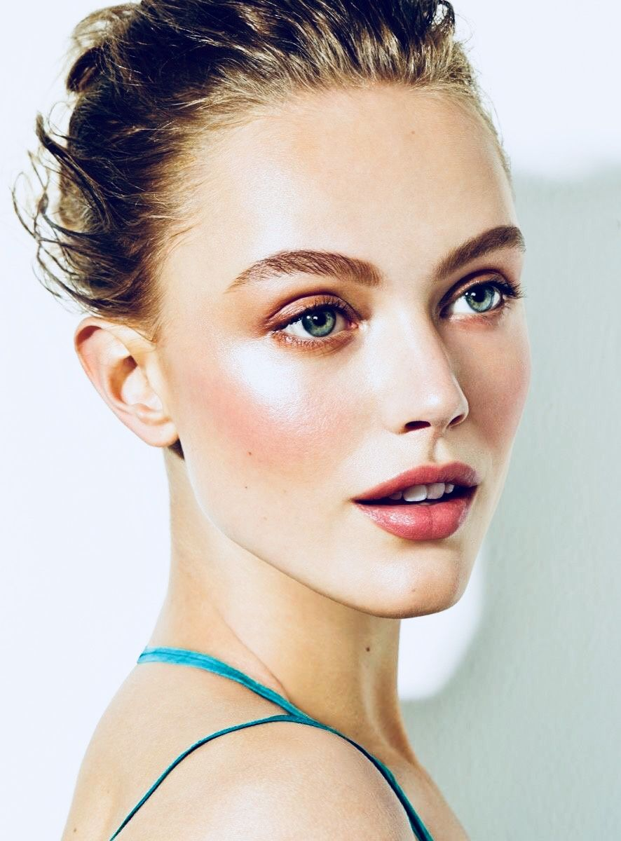 Simple everyday makeup looks for tan skin, easy summer