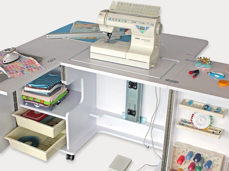 n htisch mit vielen f chern geschenke f r n hfans. Black Bedroom Furniture Sets. Home Design Ideas