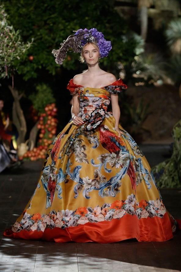 Vanessa Gounden On Twitter Fashion Dolce And Gabbana Fashion Show