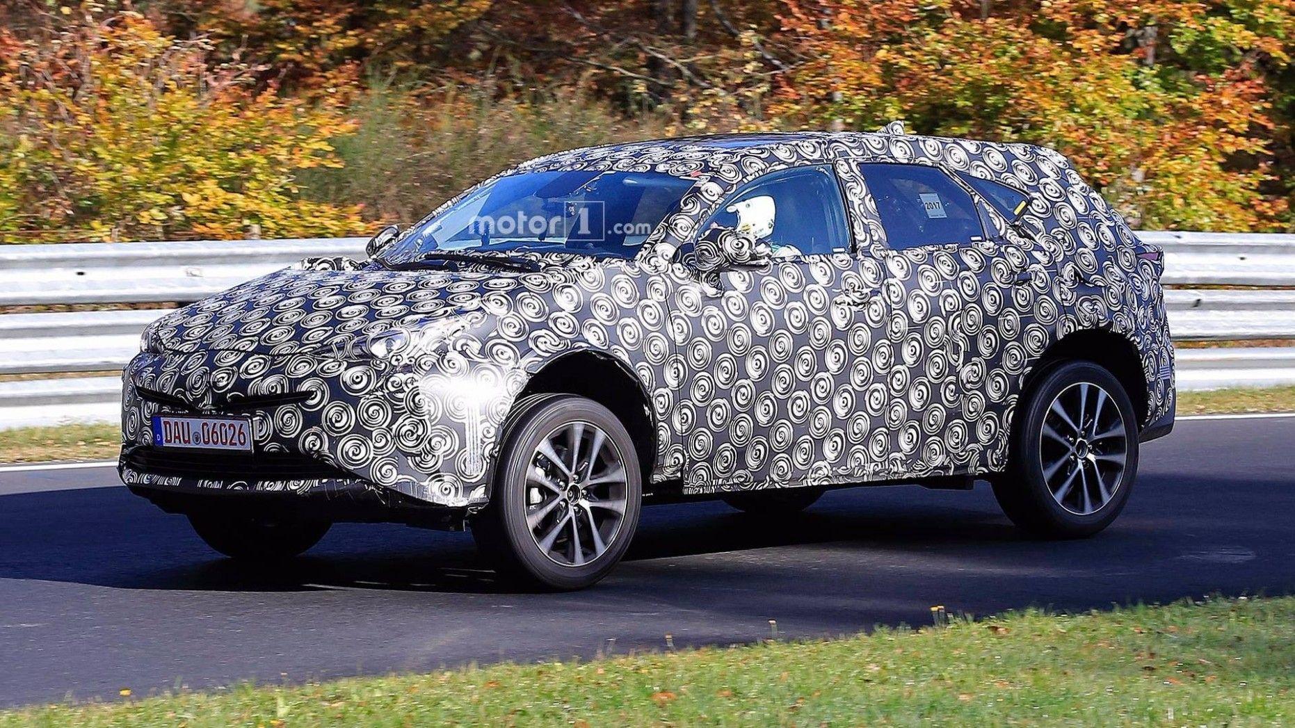 Preis und Erscheinungsdatum 2021 Spy Shots Toyota Prius