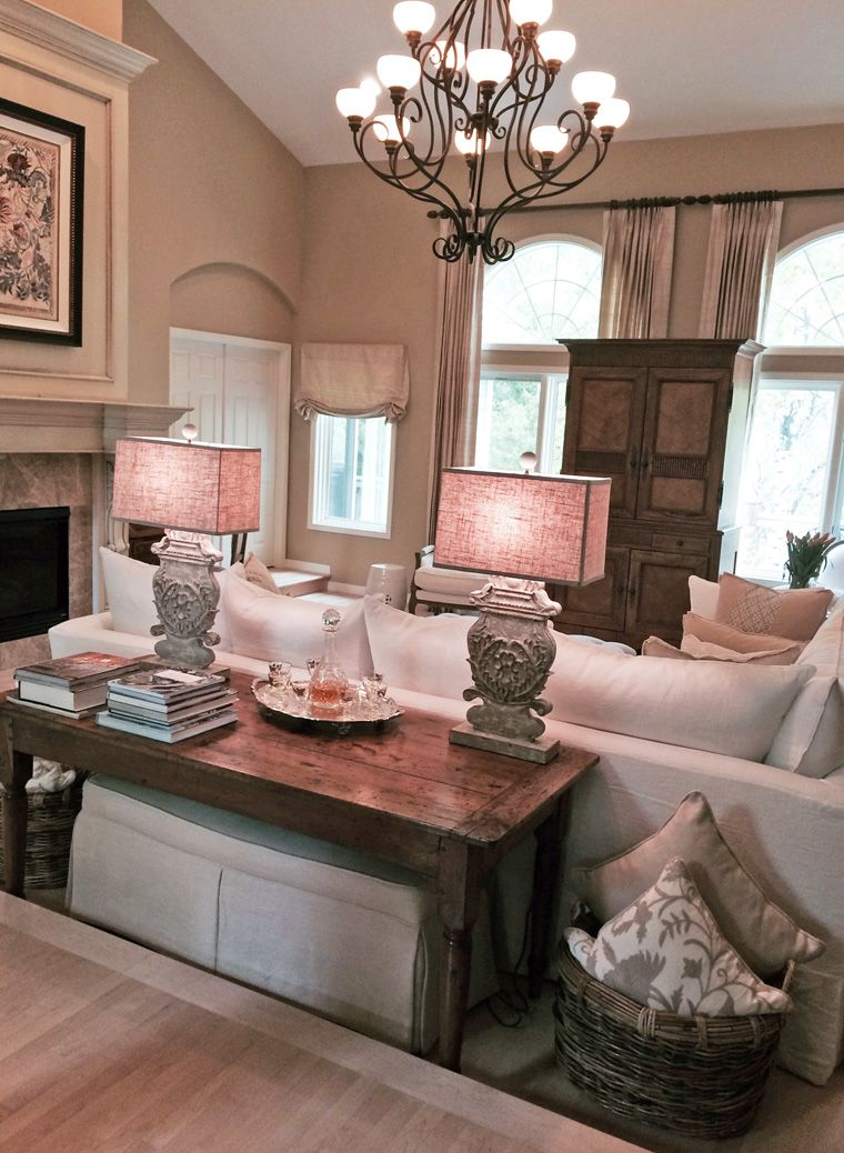 Quatrine Slipcovered Contemporary Sectional Custom Decorative Pillows New Ins Ottoman And A Pair Of Victoria Table Lamps