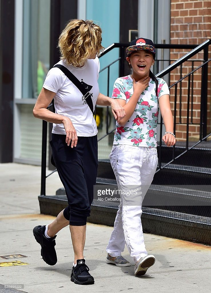Meg Ryan And Daughter Daisy True Casual Meg Ryan