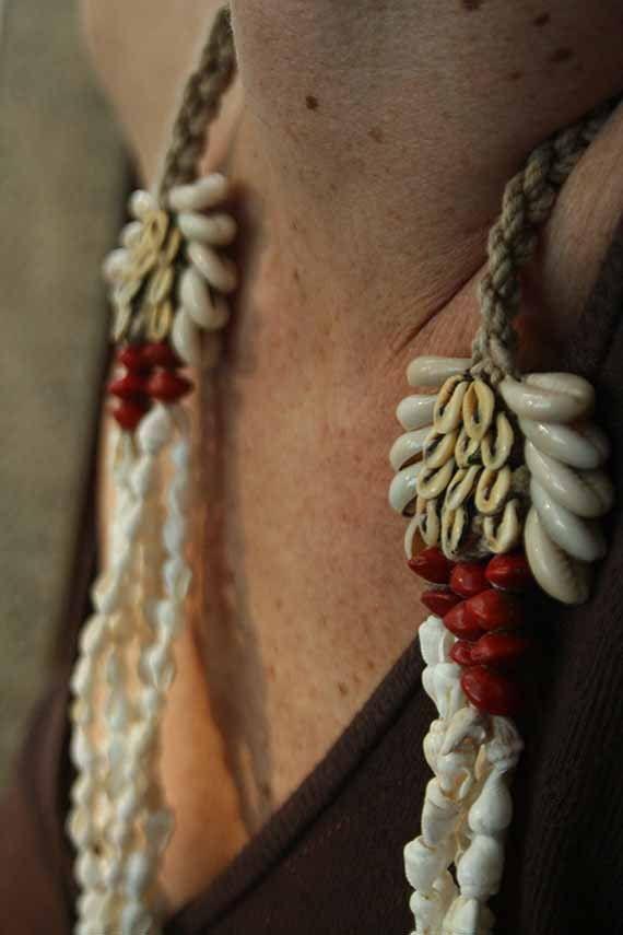 ed394e6f294a Jewelry ethnic handmade Guam shell Tribal shell por TheWisdomGaze, $26.00