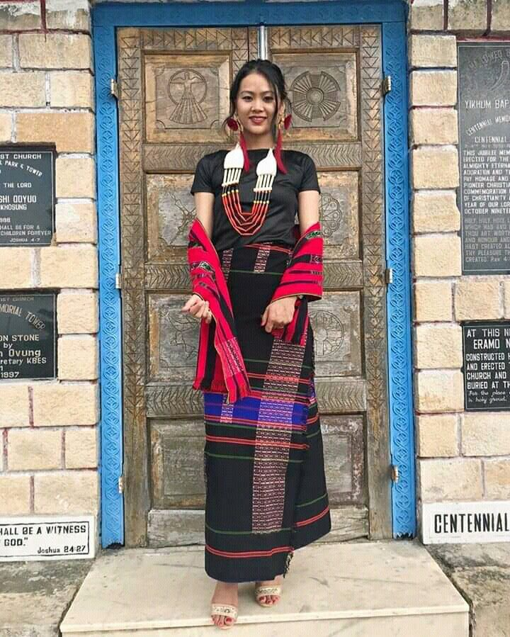 Pin by Maik on Naga Traditional Dress | Traditional indian ...