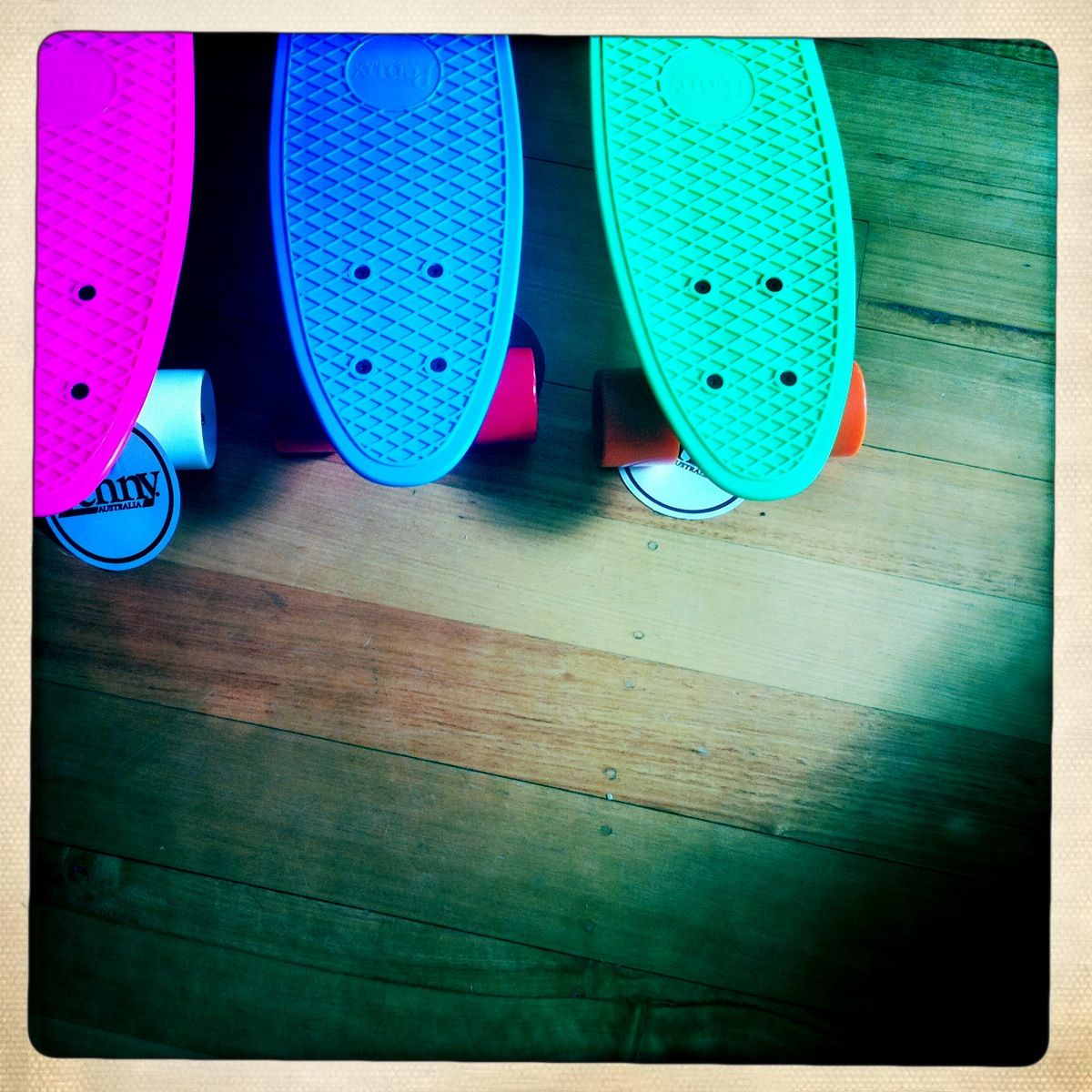 How to Ride a Penny Board (with Pictures) - wikiHow