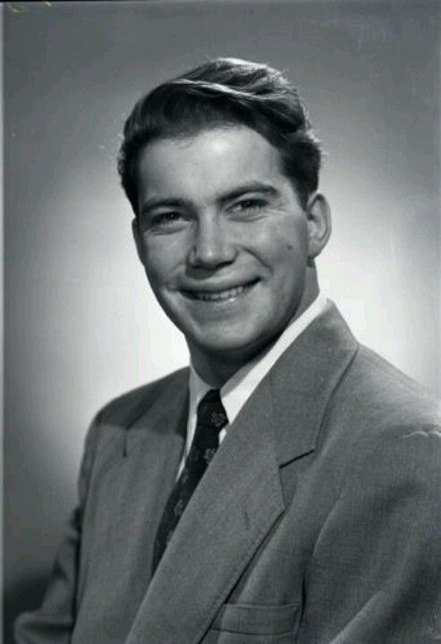 Wow, a very young William Shatner | Star trek actors, Star
