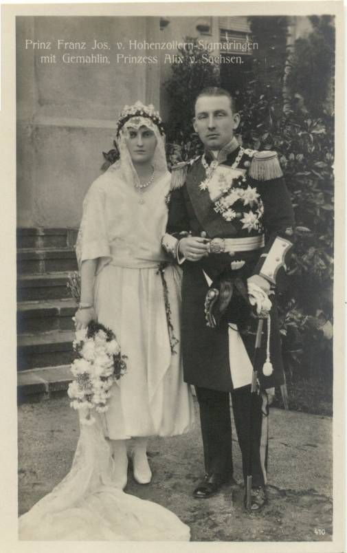 Twin brothers, Friedrich and Franz Josef Hohenzollern - Sigmaringen, married two sisters, Maria Alix and Margarete Carola of Saxony.