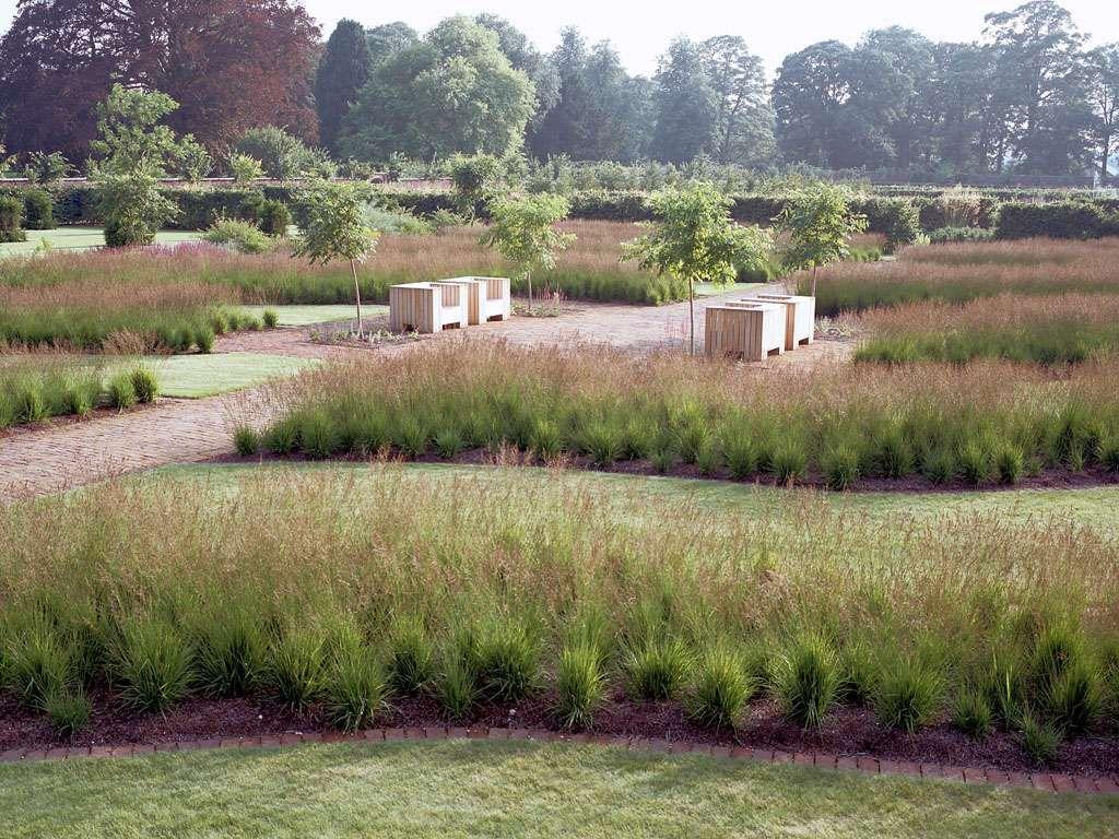 Oudolf.com - Piet Oudolf - Gardens - Public gardens - Scampston Hall - Scampston Hall