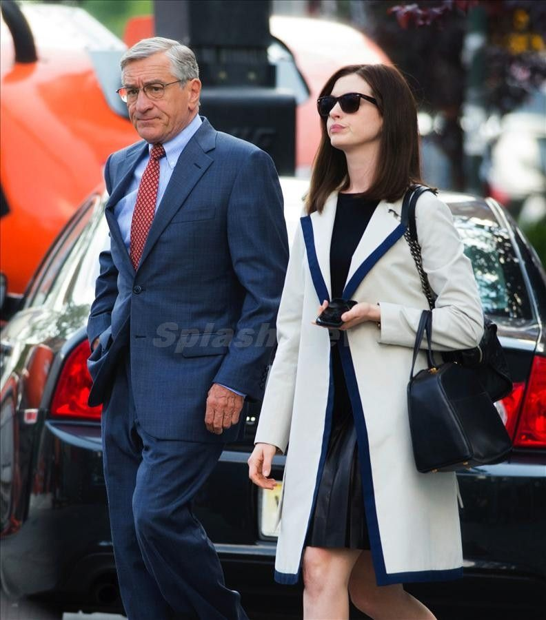 Robert De Niro And Anne Hathaway On The Intern Set