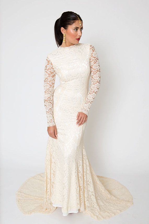Vintage Inspired Classic Lace Wedding Dress. Lace Gown with Train ...