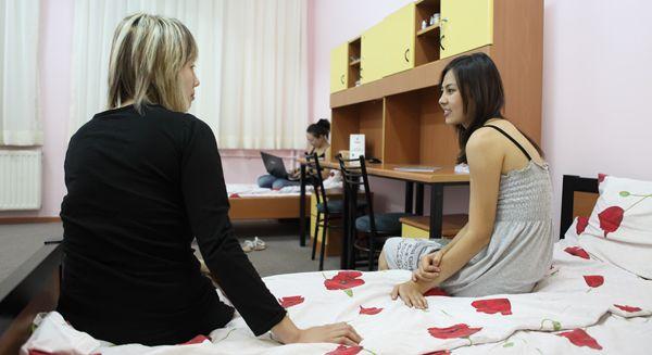 Image result for Ankara Üniversitesi  Kız Öğrenci