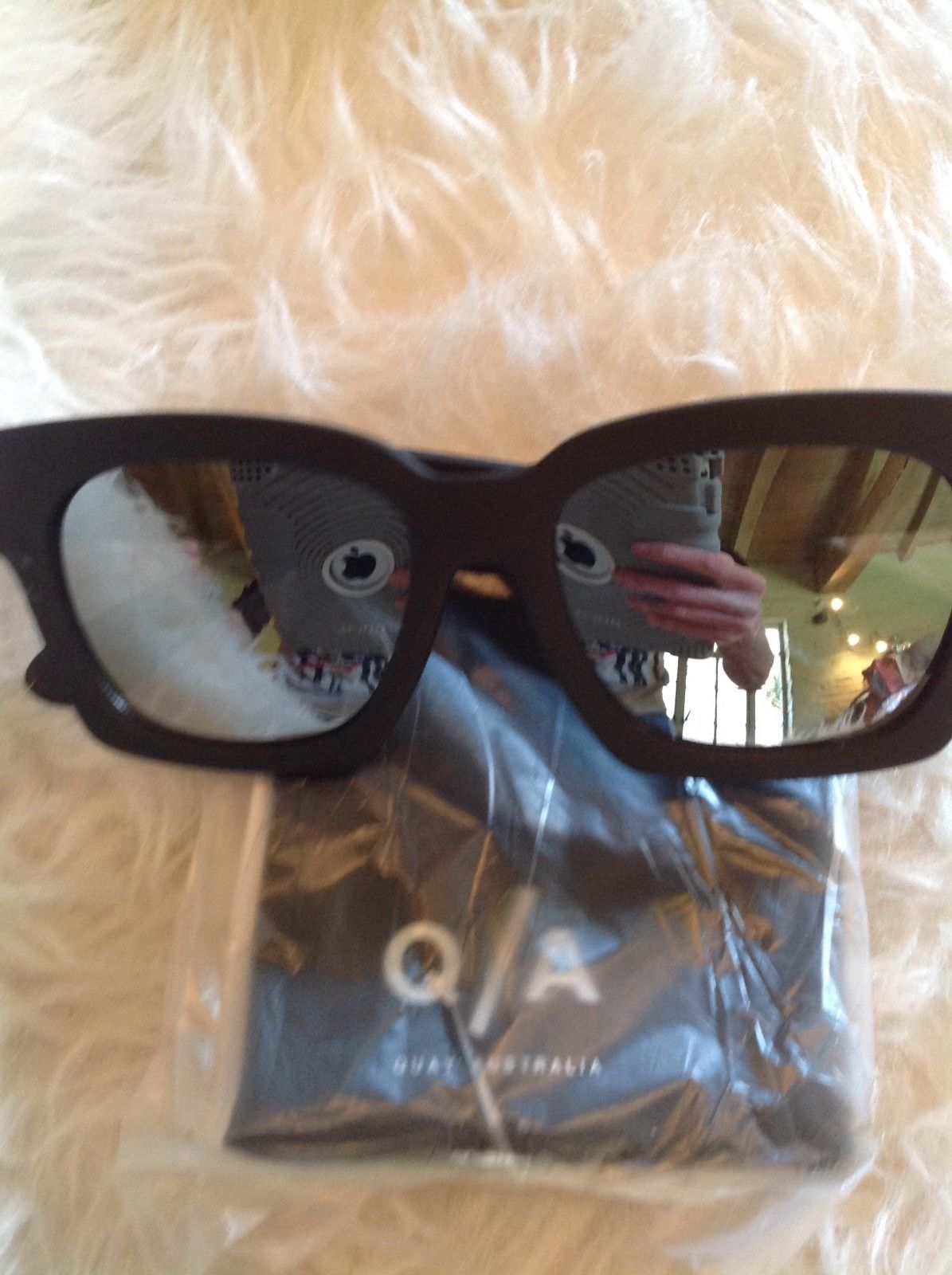 bf4114642d94 🆕💕QUAY midnite runner sunnies black blue mirror sunglasses new in case
