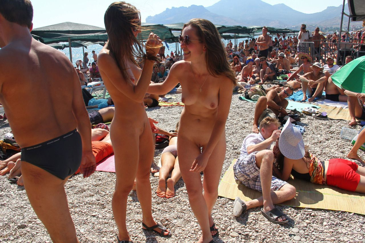 naked girls doing girls