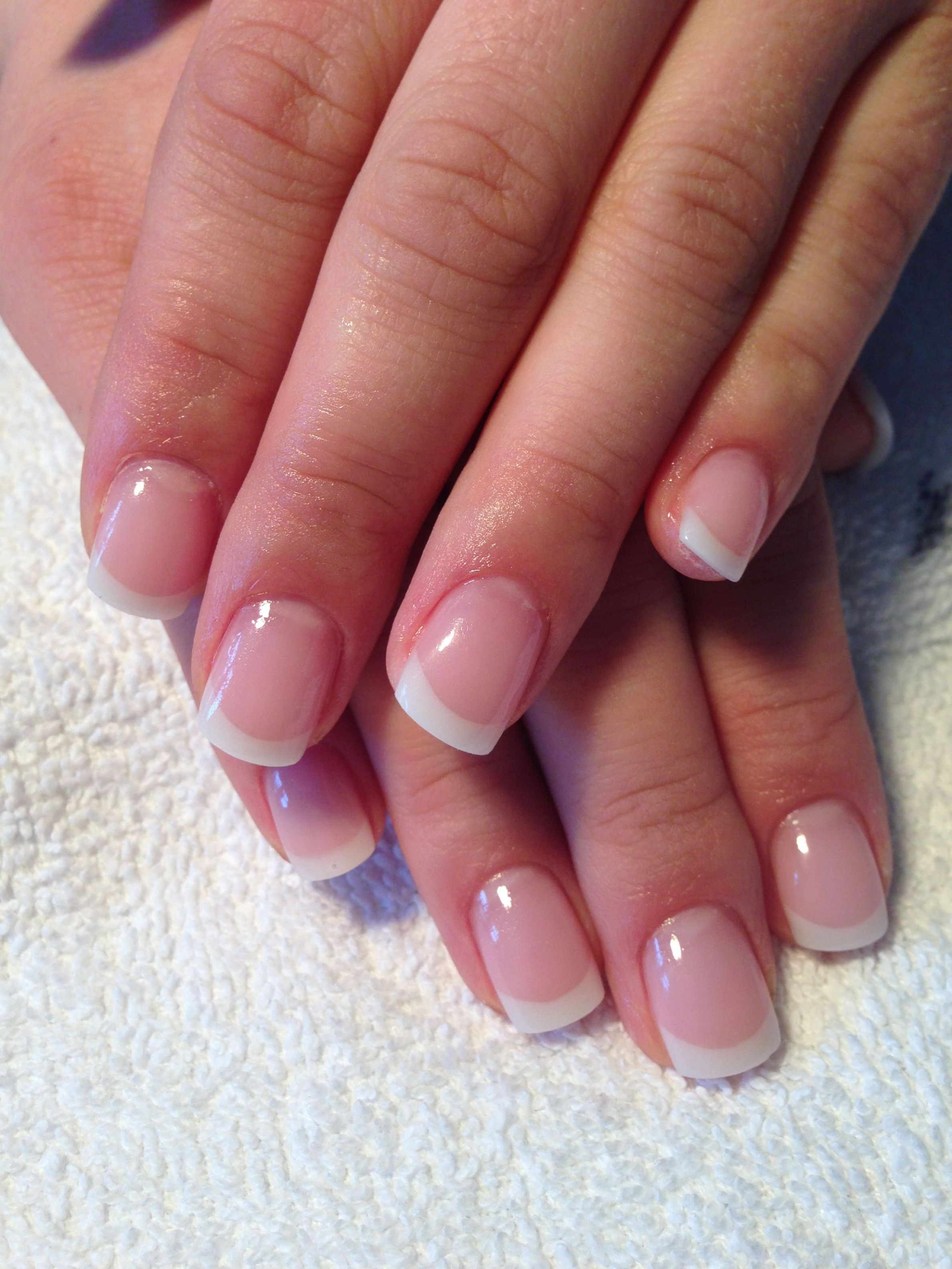 Wedding Nails Round French Manicures With Images French Tip Gel Nails Gel Nails French French Nails