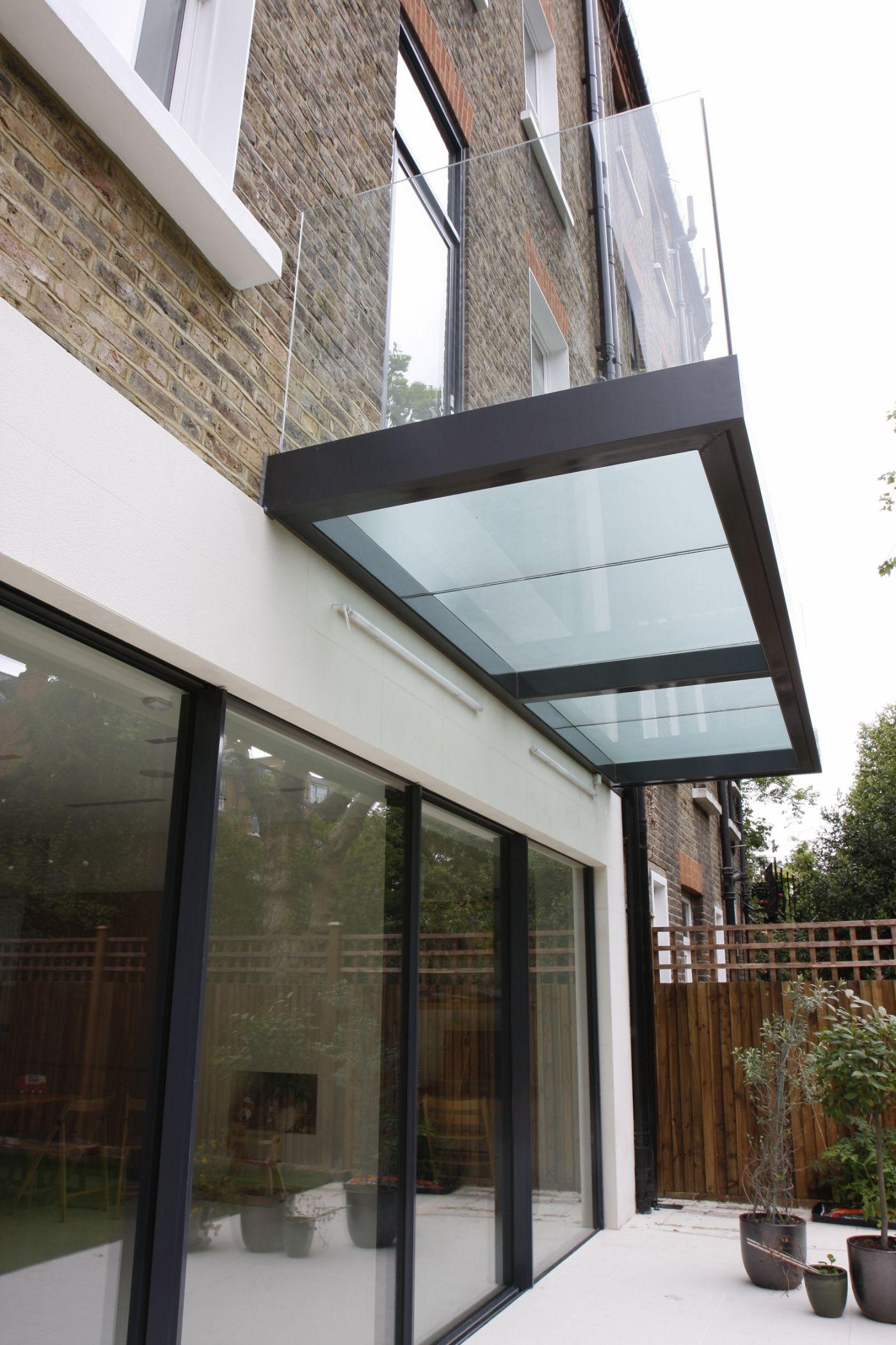 A Contemporary Renovation Using Minimally Framed Sliding Glass