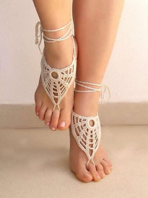 Dainty Doily-Inspired Footwear | Pinterest | Sandalias, Pies ...