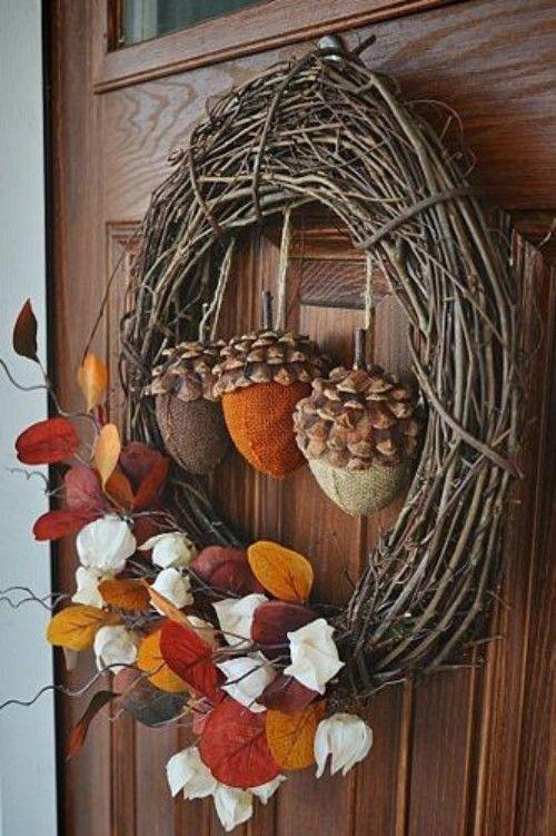 Ein bunter Herbstkranz ist ein Muss in der Herbstdeko #fallfrontporchdecor