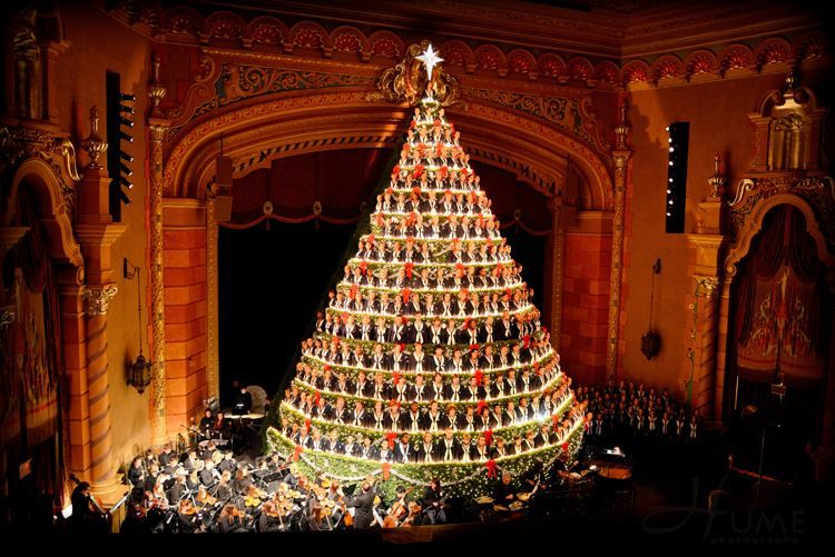 Singing Christmas Tree 2019.You Ll Already Want To Mark Your Calendars For The 2019 Show