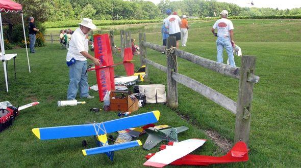 Radio Control Model Planes at Debonne Vineyards