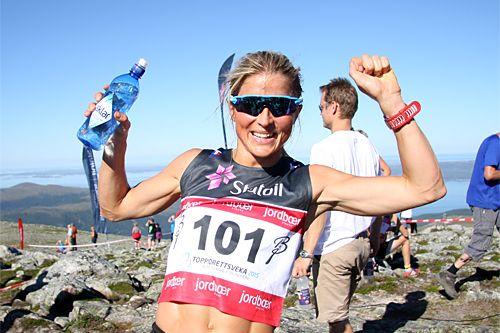 Therese Johaug Best I Toppidrettsvekas Fonna Opp Langrenn Trening Ski