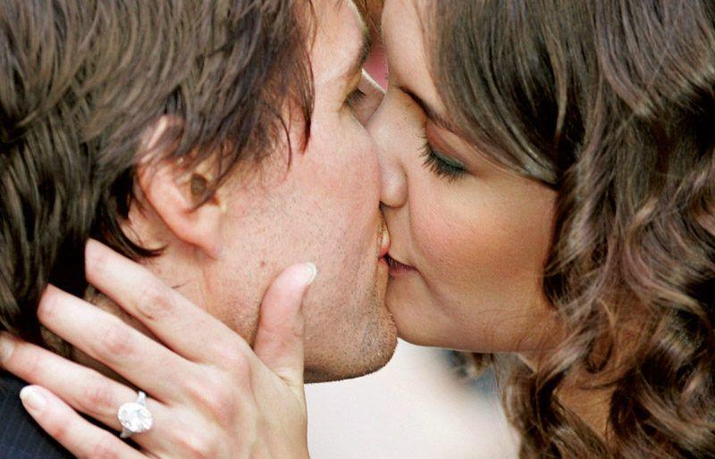 Katie Holmes. Tom Cruise le dio un anillo de 1.5 mdd y lo compró un día después de su primera cita ¡OMG!