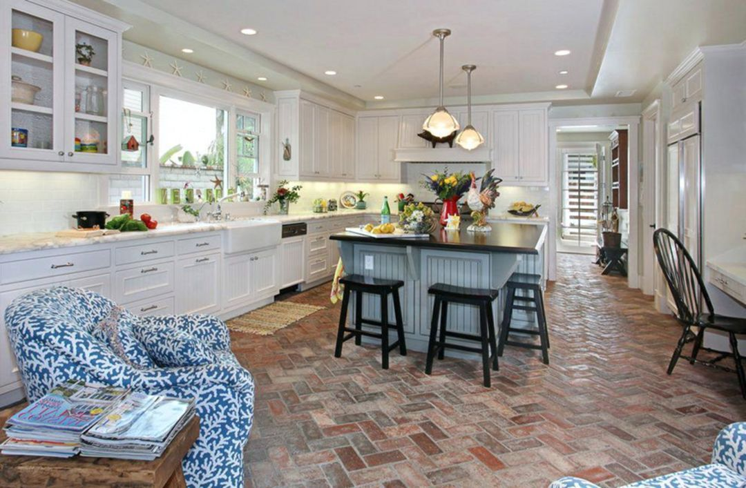 25 Marvelous Kitchen Floor Design Ideas Trend 2019 Teracee Brick Floor Kitchen Brick Kitchen Kitchen Flooring