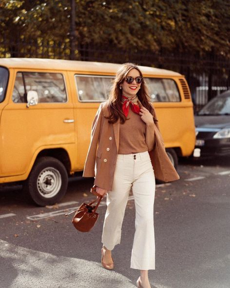 15 Fabulously Stylish French Women To Follow for Inspiration on Instagram - Hello Bombshell!