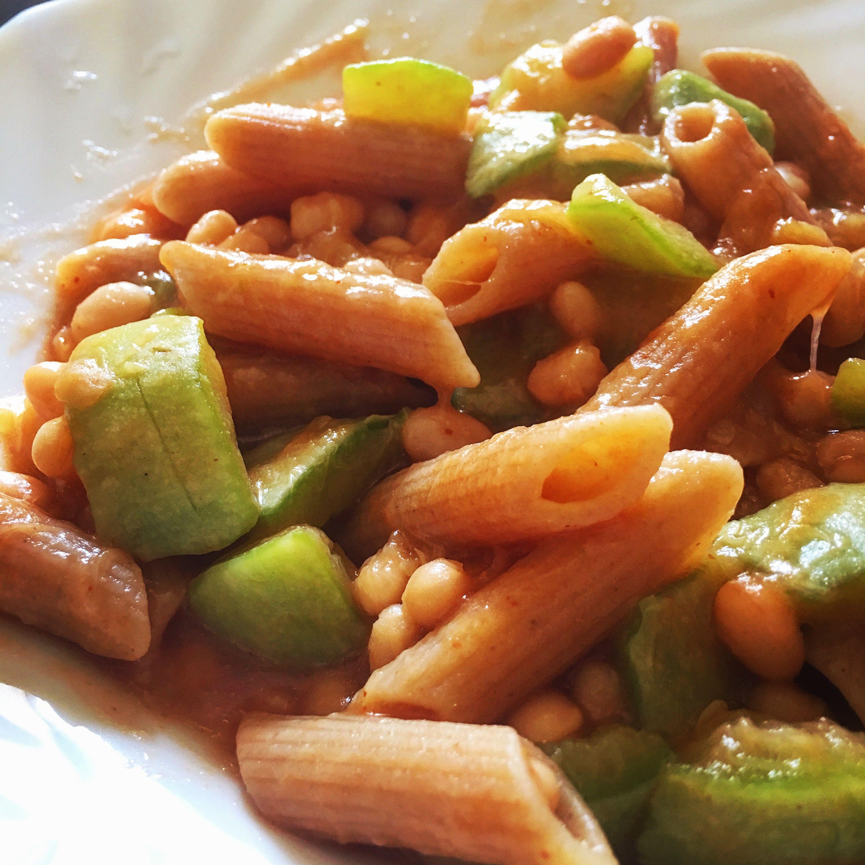 #Pennette con #zucchine, #fagioli e #pomodoro 🙃  Seguici su www.ricettelastminute.com 😉  #food #foodporn #foodgasm #italia #sicilia #sicily #pictureoftheday #photooftheday #ricetta #ricette #me #instafood #yummy #foodie #siciliabedda #igers #igeritalia #igersicilia #foods #italianfood #picture #ricetteperpassione #instalike #instapic #instafollow