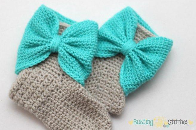 Crochet Bow Cuff Slippers Flat