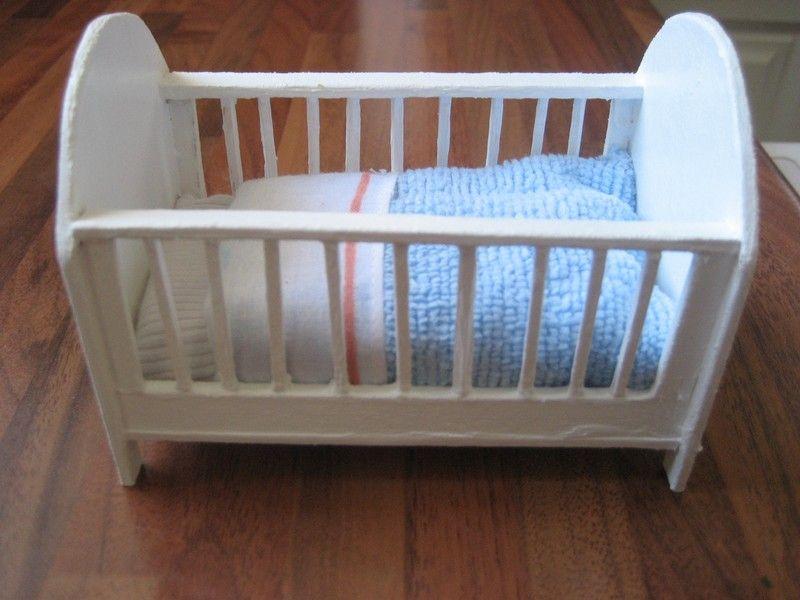 construire un lit barreaux miniature la maison de bois. Black Bedroom Furniture Sets. Home Design Ideas