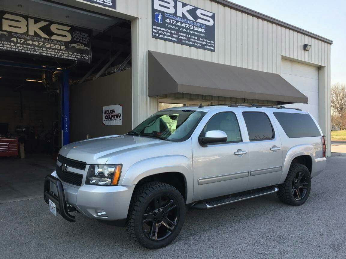 2013 Suburban Z71 With 2 Lift And 33 S On Black 22 Replica