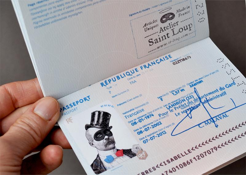 http://shop.st-loup.com/category/protege-passeport