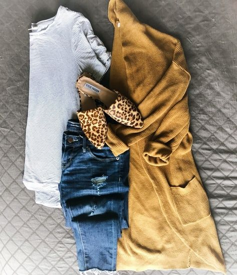 Long mustard yellow cardigan,  white top, skinny jeans, leopard shoes